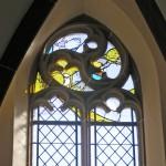 linkes Fenster in der Taufkapelle
